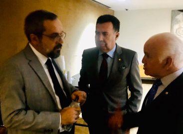 Heleno Silva vai a Brasília e se reúne com ministro da Educação