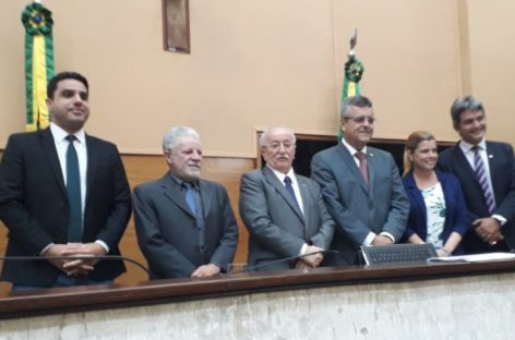 Deputado Luciano Bispo é reeleito presidente da Alese