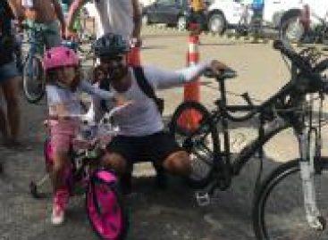 Centenas de pessoas participam de Passeio Ciclístico em homenagem a Aracaju