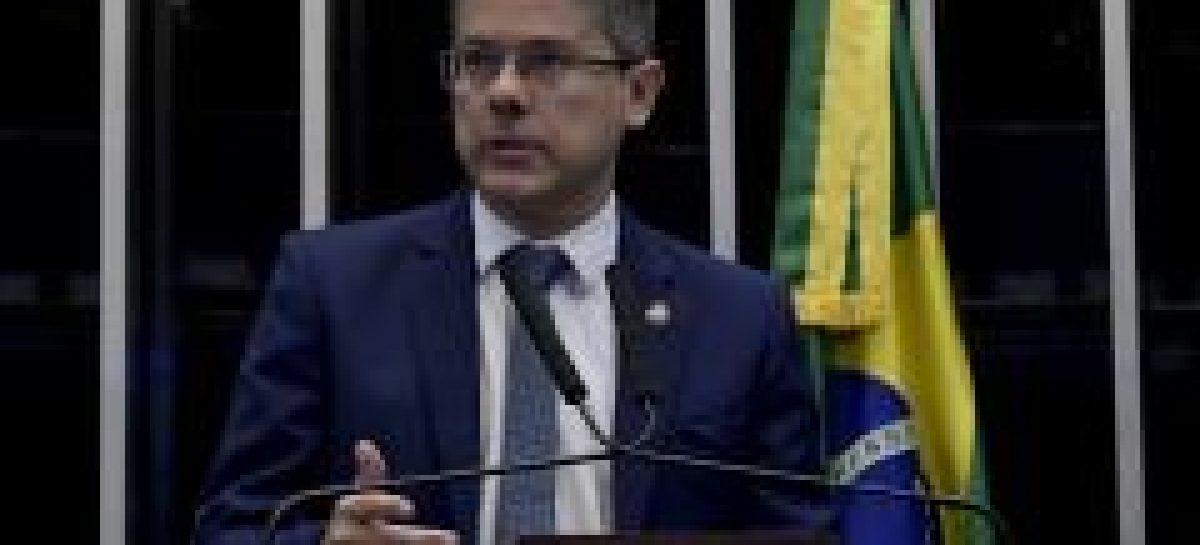 Senador Alessandro Vieira participa de sessão remota do senado federal
