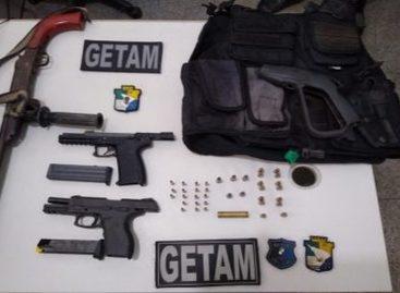 Homem é preso com três armas de fogo no Bairro Rosa Elze