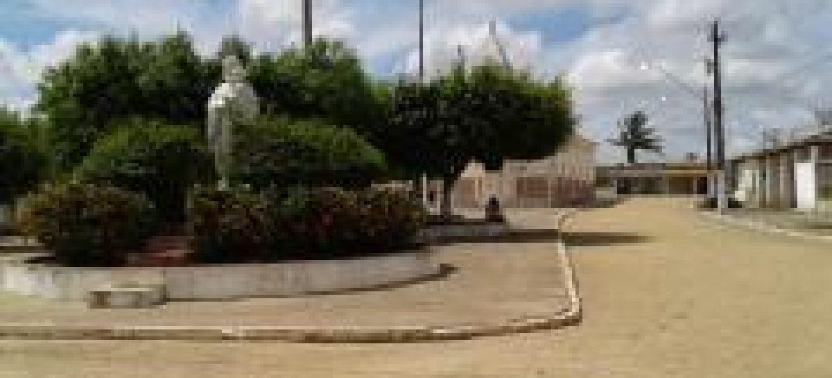 A invisibilidade da falta de água no povoado segredo, escreve professor