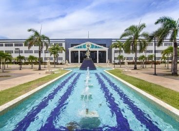 Cerca de 200 alunos da Saúde da Universidade Tiradentes podem antecipar colação de grau