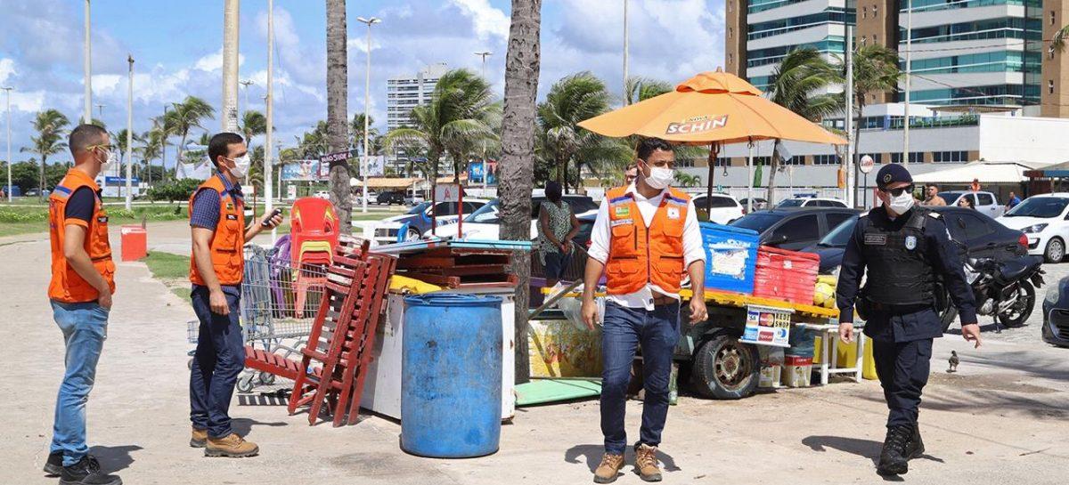 PMA fiscaliza cumprimento das medidas emergenciais contra o coronavírus na Orla da Atalaia