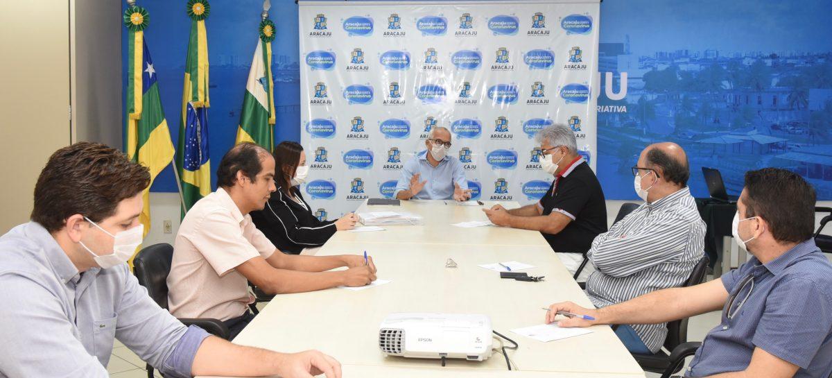 Prefeito e entidades da Saúde discutem aumento dos casos de coronavírus em Aracaju