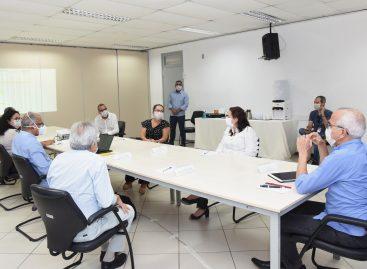 O primeiro passo dado pela gestão municipal foi conduzir os trabalhos da Prefeitura no sentido de diminuir