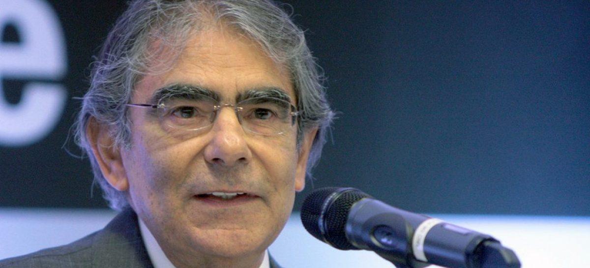 Carlos Britto diz que Bolsonaro pode sofrer impeachment