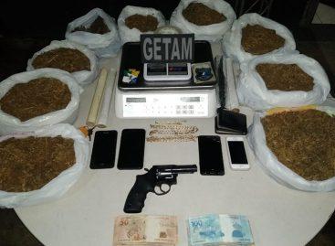 PM prende trio com grande quantidade de drogas na capital