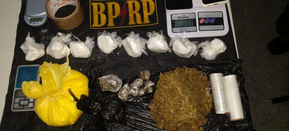 Radiopatrulha prende traficantes, apreende drogas e recupera veículos