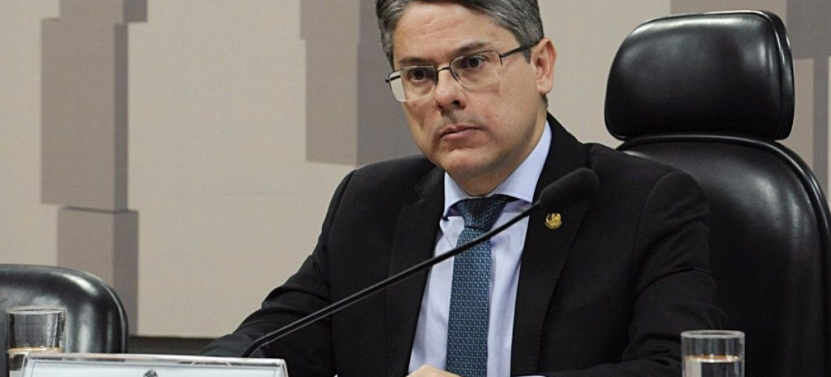 Alessandro aciona STF para barrar PEC do Orçamento de Guerra