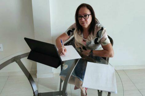 Diná Almeida reforça importância de isolamento social após óbitos por coronavírus