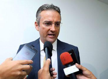 Bolsonaro nomeia secretário da Abin para a direção-geral da PF