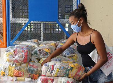 Prefeitura inicia entrega de mais de 2,7 mil cestas básicas a famílias aracajuanas
