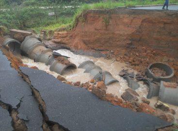 DER avalia estragos causados pelas chuvas na Rodovia Itabaiana Itaporanga