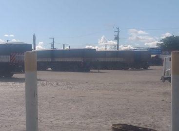 Trabalhadores atendem a cerca de 20 transportadoras  sem proteção