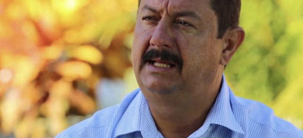 """""""Marcos Santana atrasa salários e nomeia 30 indicados políticos só em abril, diz  Betão do povo"""
