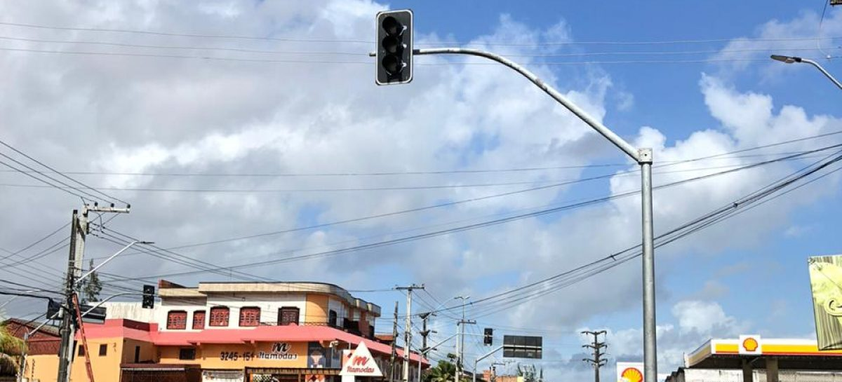 PMA instala semáforos no cruzamento da Euclides Figueiredo com Benjamin Constant