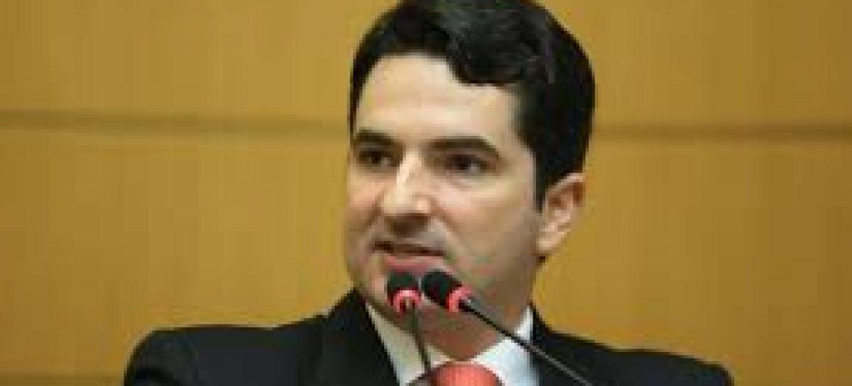 Justiça suspende os direitos políticos de Gustinho Ribeiro. Deputado vai recorrer