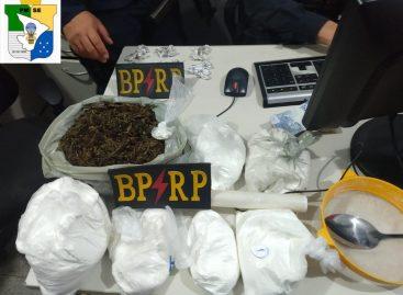 Radiopatrulha prende jovem e apreende 4 quilos de cocaína em Aracaju