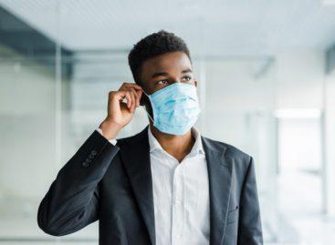 Novas orientações para fabricação de máscaras de pano podem dificultar a adesão da população
