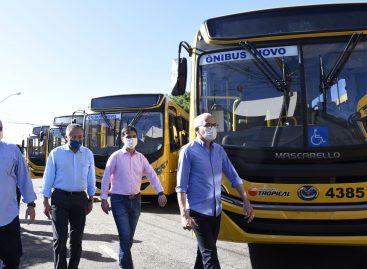 Prefeitura entrega mais 15 novos ônibus para o transporte público de Aracaju