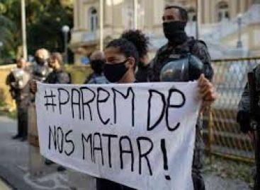 Protesto no Palácio Guanabara termina em confusão