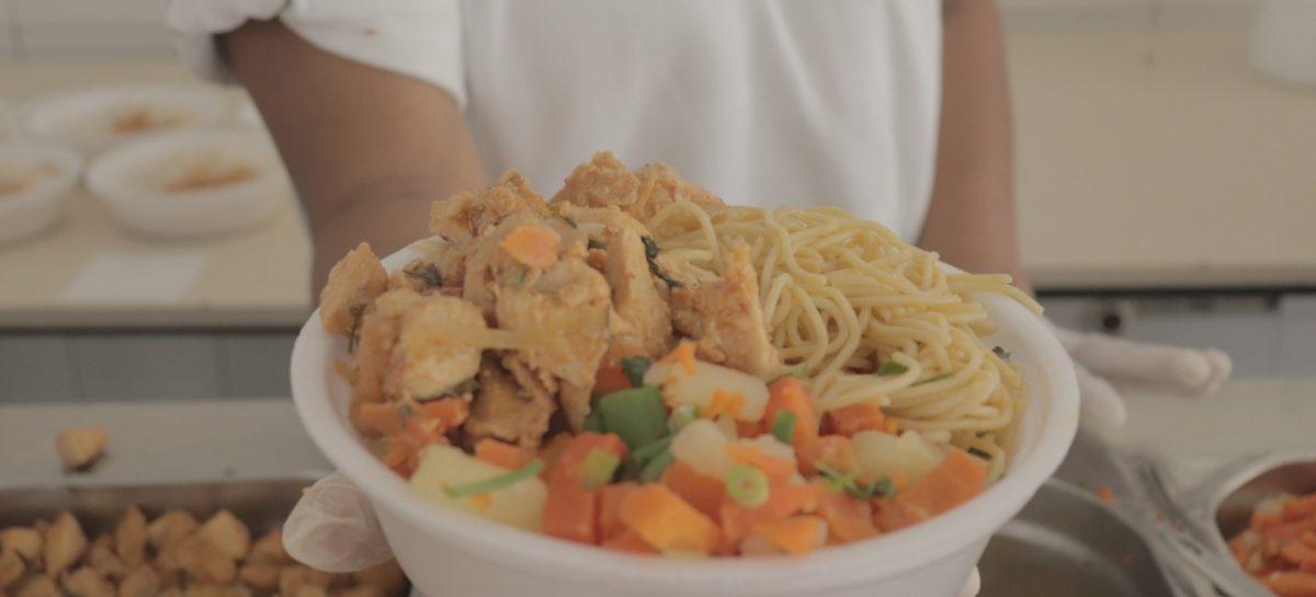 Restaurante popular Frei Miguel serve 500 refeições diárias à população socorrense