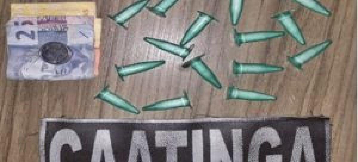 Companhia da Caatinga apreende drogas e prende homem por tráfico de drogas