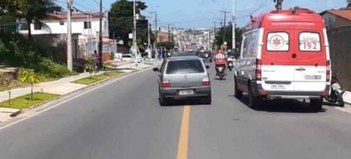 CPTRAN atende acidente envolvendo motocicleta e animal em Aracaju
