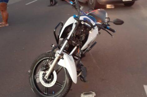 Duas motos colidem na avenida Alexandre Alcino e deixa três feridos