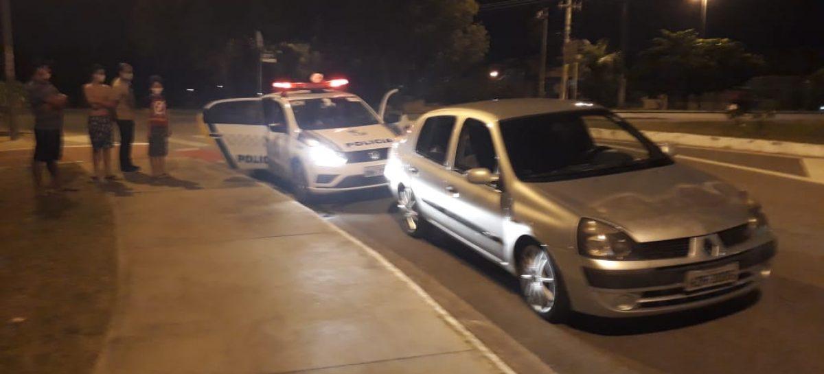 Motorista é flagrado fazendo manobra arriscada na avenida Tancredo Neves