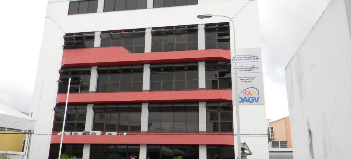 Delegacia de Atendimento à Mulher cumpre mandado de prisão em Aracaju