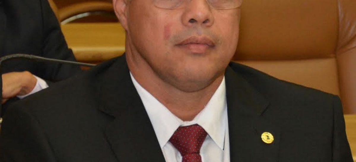Prefeito Padre INALDO prova, com documentos,  que ex-prefeito FH mente, e mostra veículos sucateados e com documentação vencida, sem o devido pagamento