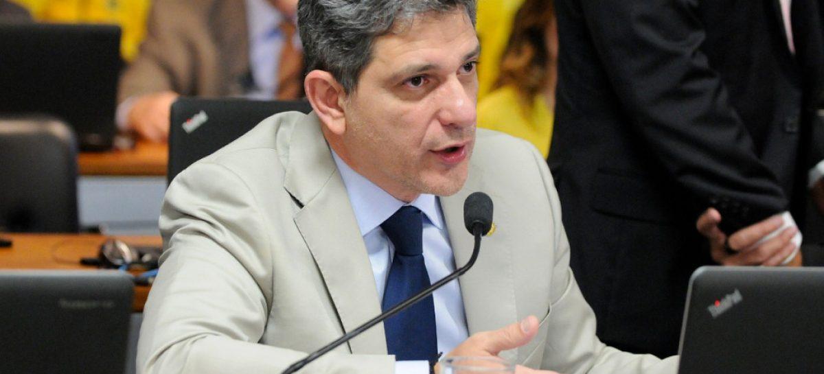 """Senador Rogério Carvalho está entre os """"Cabeças"""" do Congresso Nacional"""