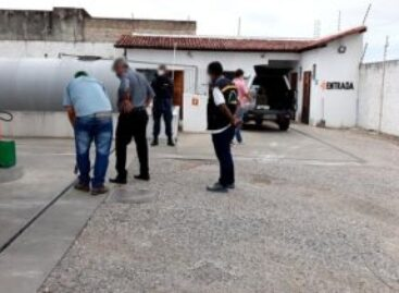Postos de combustíveis clandestinos são fechados em Aracaju