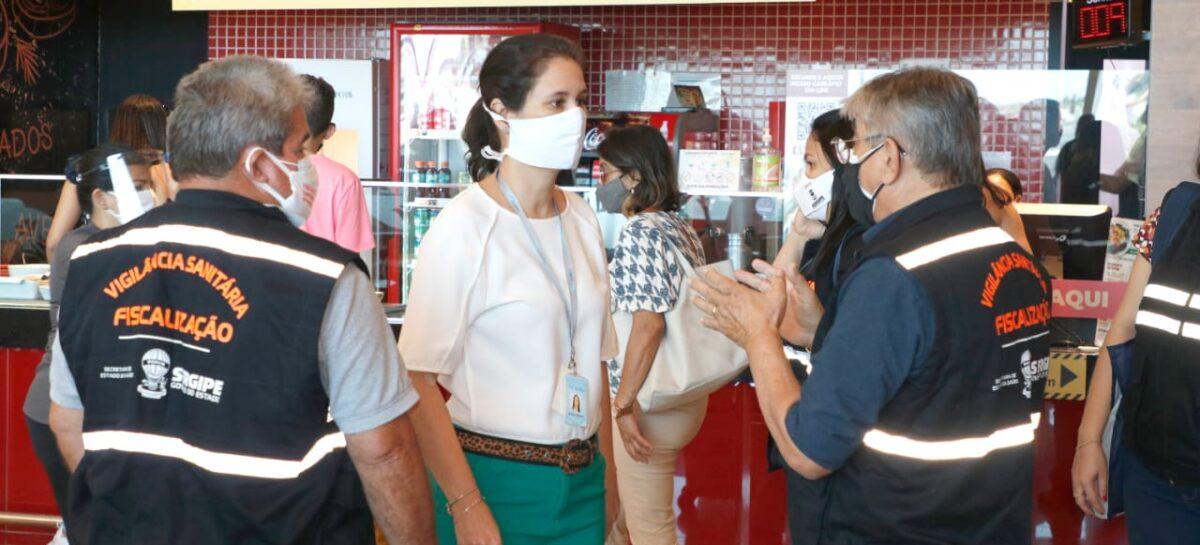 Vigilância fiscaliza uso de máscara e distanciamento em mercado e shopping de Aracaju