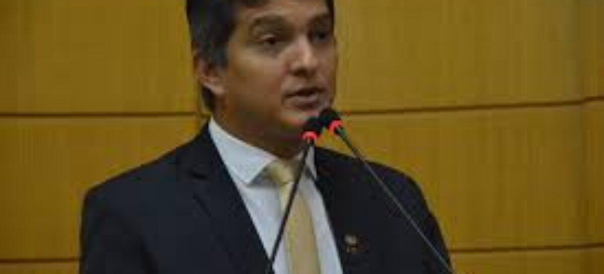 Samuel Carvalho é acusado de maquiar doação de campanha eleitoral