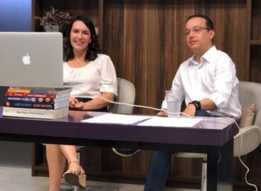 """Daniele Garcia e Valadares Filho anunciam aliança para """"combater o sistema"""""""