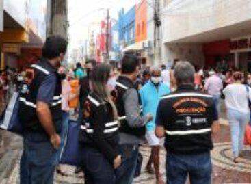 Governo realiza ação de conscientização para uso da máscara no centro comercial