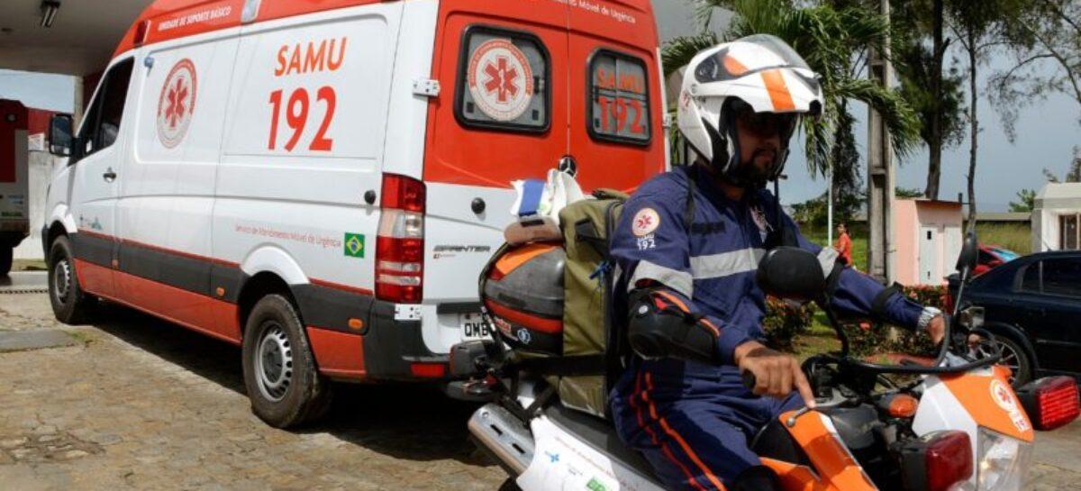Acidente entre três veículos deixa uma pessoa ferida na Avenida Tancredo Neves, em Aracaju