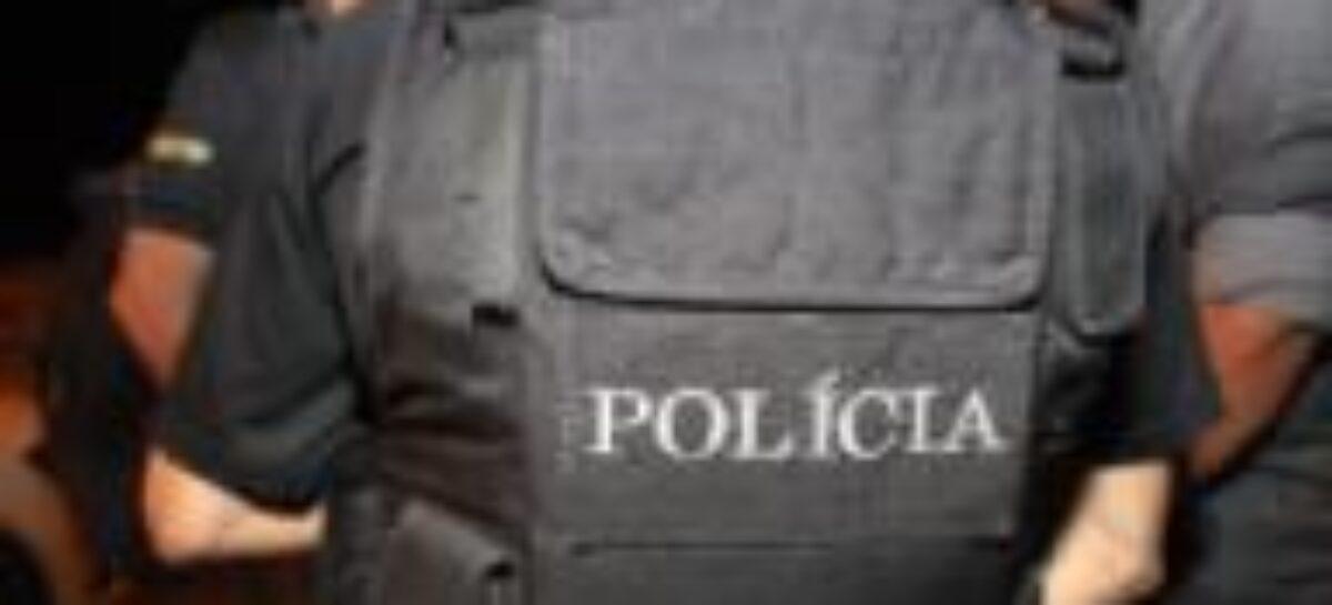 Polícia Civil prende dois responsáveis por roubo de veículos em Socorro
