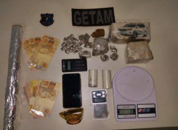 PM prende dupla com mais de 1 Kg de maconha no Bairro Atalaia
