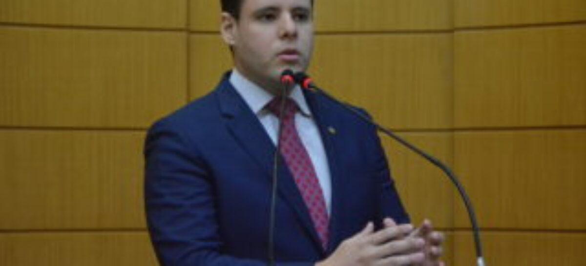 Justiça Eleitoral pune o deputado Rodrigo Valadares mais uma vez