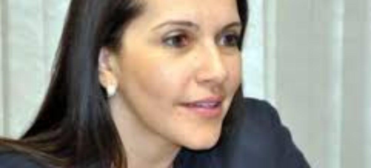 """""""Se fosse um aluno, o ensino público municipal estaria reprovado"""", diz Danielle Garcia"""