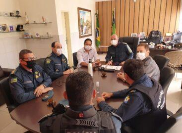 Comando da PM diz que não tratou de assunto institucional em reunião