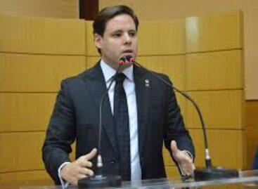 """""""Delegada Danielle Garcia, por quanto você se vendeu?"""", questiona Rodrigo Valadares"""