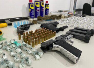 PC apreende armas, drogas e dinheiro em operação na Barra dos Coqueiros