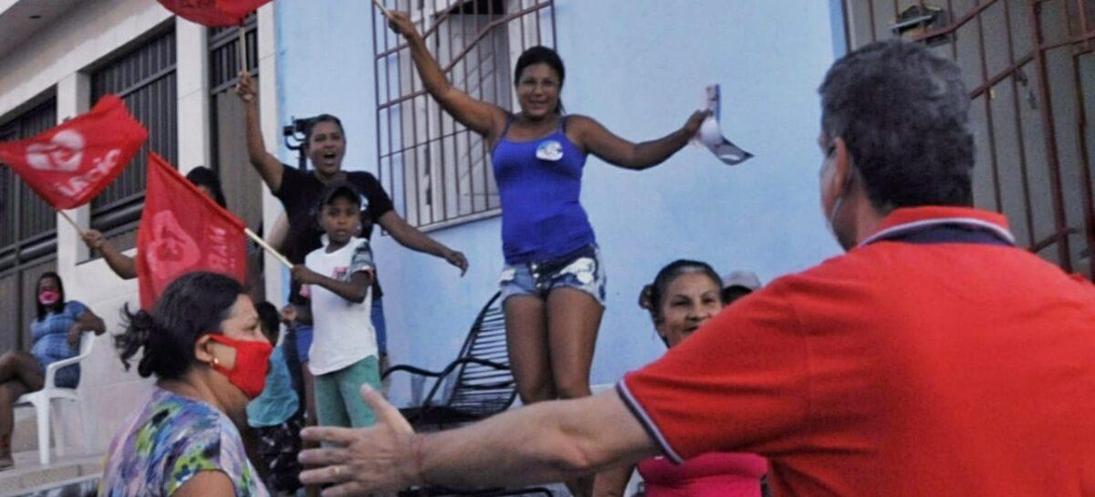 Moradores dos bairros Jardim Centenário e Veneza participam da Carreata 13