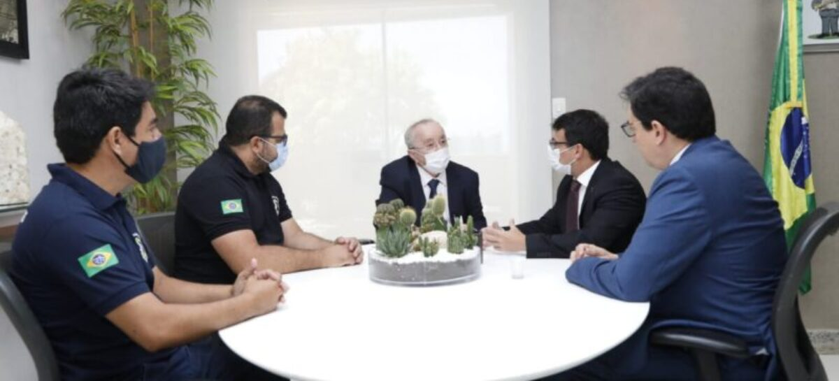 Luciano Bispo recebe visita de representantes da Adepol e Sinpol