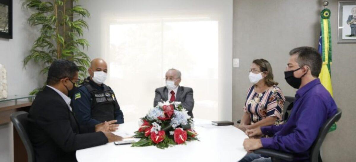 Luciano Bispo recebe comissão que reivindica maior segurança para Itabaiana